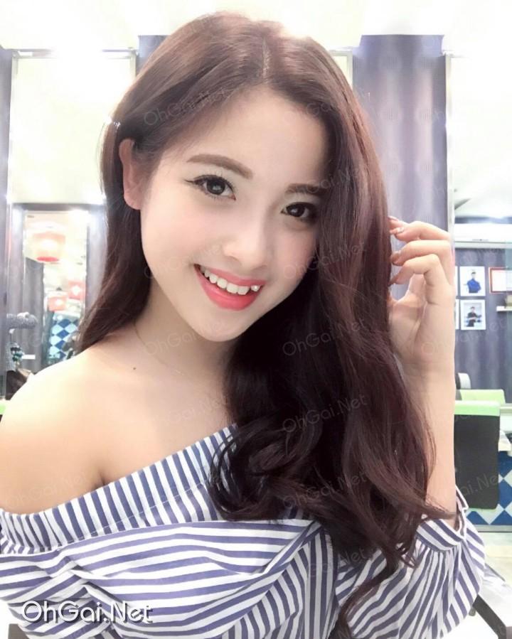 Facebook hot girl Hà Nội: Tú Tâyy (NguyễnThanh Tú)