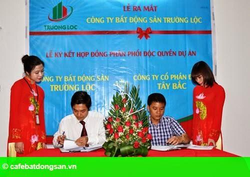 Hình 1: Long trọng tổ chức lễ thành lập Công ty