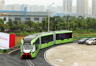 China unveils world's first driverless train