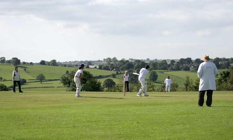 Cricket-Ladies14