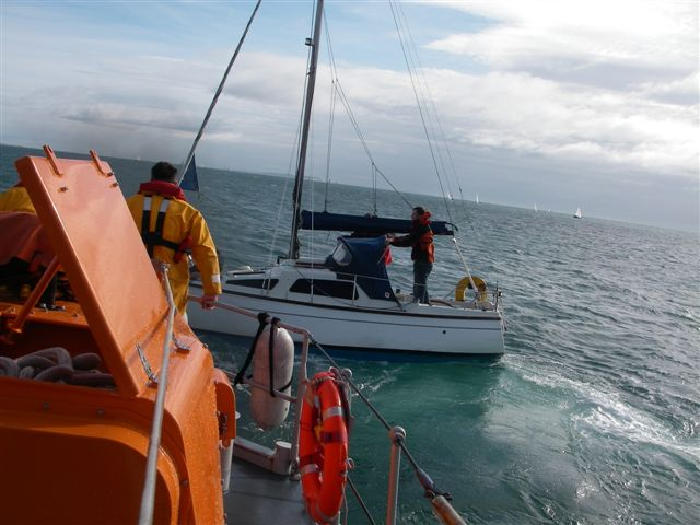 9 October 2011 - the rope is attached so the ALB starts to pull away