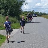 På vej til Rønbjerg badelandDer kommer bil bagfra (for nogen)