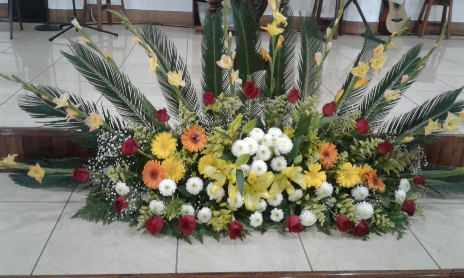 Imágenes De Arreglos Florales Para Iglesias En Amarillo