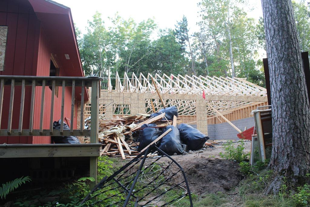 [Garage+rafters%5B5%5D]