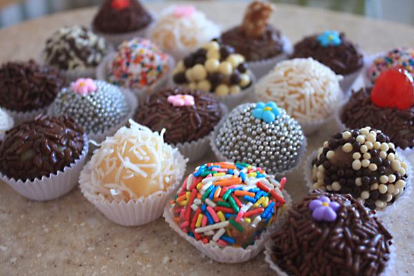 """Tertulias Culinarias: """"Brigadeiro... una trufa de chocolate que se ..."""