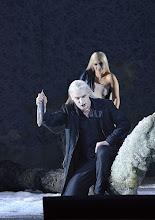 Photo: RUSALKA an der Wiener Staatsoper: Inszenierung Sven Eric Bechtolf. Premiere 26.1.2014. Günther Groissböck (Wassermann). Foto: Barbara Zeininger