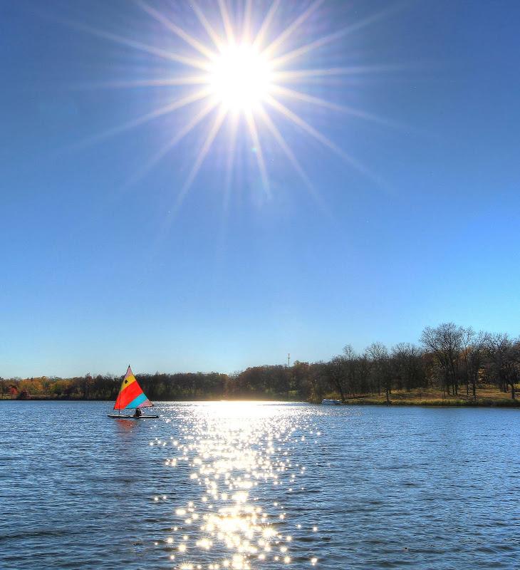 https://lh3.googleusercontent.com/-_32HdlrzfPc/VjjAVuUGENI/AAAAAAAACzw/4idK9Kyrcww/s1280-Ic42/Sailing_Fall_2015.jpg