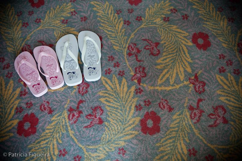 Foto de casamento 0013 de Marcella e Raimundo. Marcações: 15/08/2009, Casamento Marcella e Raimundo, Havaianas, Lembrancinha, Rio de Janeiro.