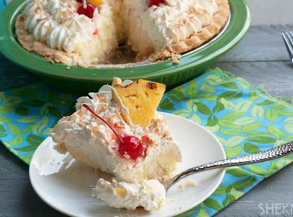 Creamy Piña Colada Pie Recipe