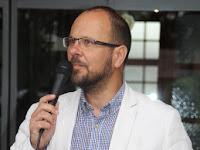 13 Štefan Gregor, Ipolyság polgármestere köszönti a jelenlévőket.JPG