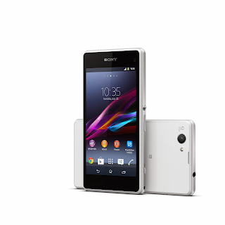 11_Xperia_Z1_Compact_White_Group.jpg