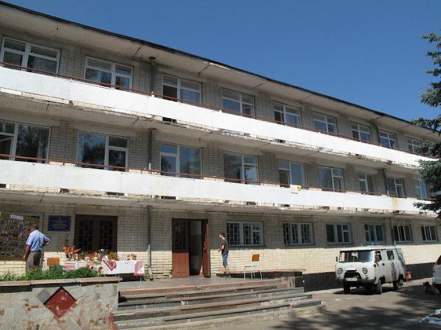 27.07.12 детский туберкулезный санаторий НОВОСТАВ в Ровенской области праздновал 65 лет - 575946_265393370236897_2131495699_n.jpg