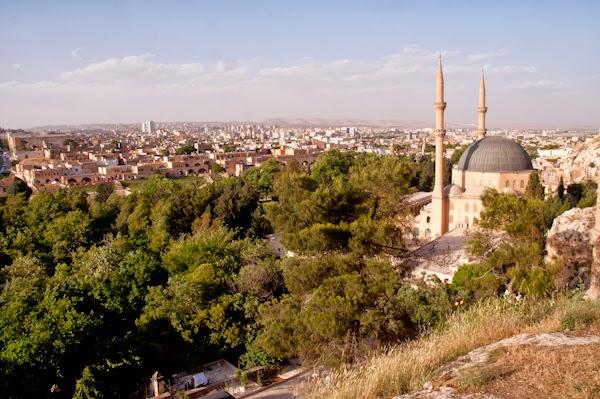 La ciutat de sanliurfa vista des de les muralles