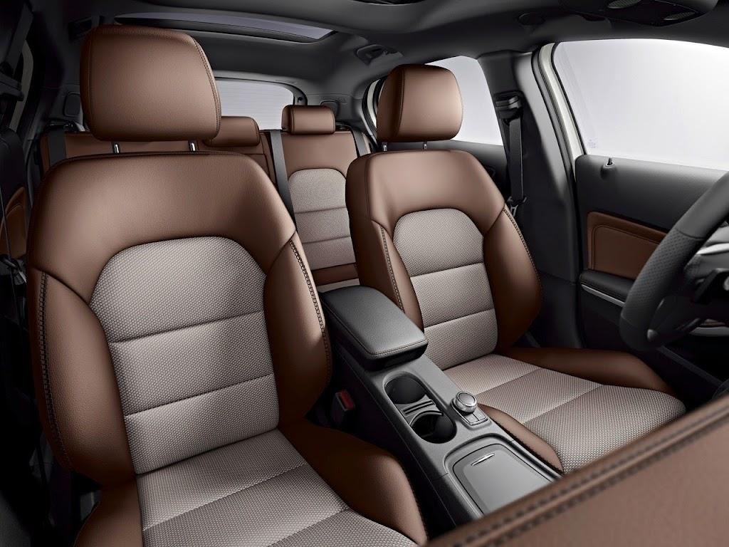 009 2015 Mercedes-Benz GLA-Class Edition 1