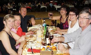 Photo: la table des Gardois