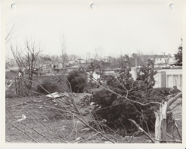 1976 Tornado photos collection - 118.tif