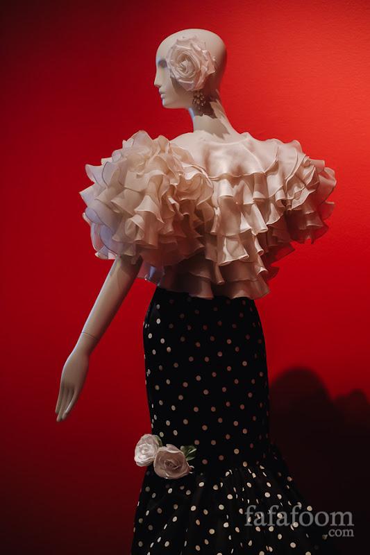 Details of Oscar de la Renta, Evening ensemble: dress and bolero, 1988.