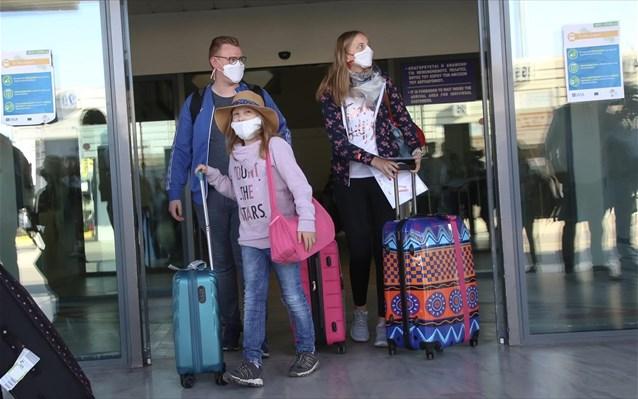 ΥΠΑ: Και με self test θα ταξιδεύουν προς τα νησιά οι επιβάτες από 12 έως 17 ετών