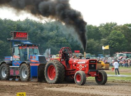 Zondag 22-07-2012 (Tractorpulling) (21).JPG