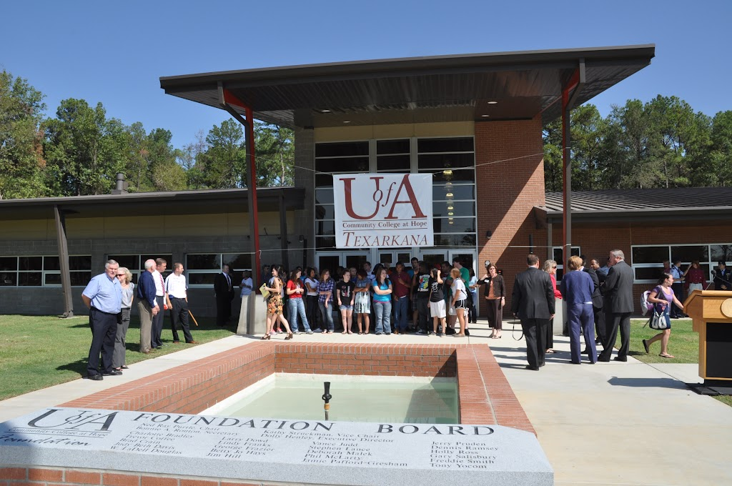 UACCH-Texarkana Ribbon Cutting - DSC_0351.JPG
