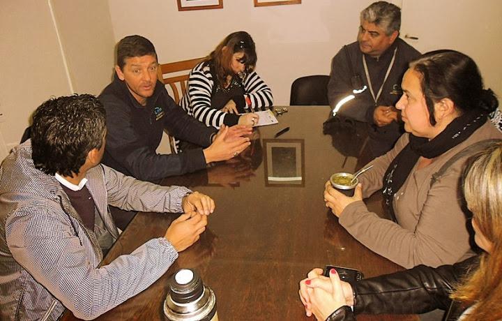 concejales Marisa Roldán (UP) y Luciano Lescano FPV la Secretaria General de ATE Helena García los inspectores de tránsito Britos y Alvarengo