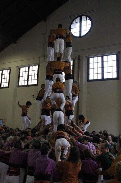Diada Sagals dOsona 2011 01 - 100000832616908_735291.jpg