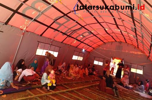 Tenda pengungsi korban bencana pergerakan tanah di Cisolok Sukabumi / Foto : Rudi Imelda (28/1/2019)