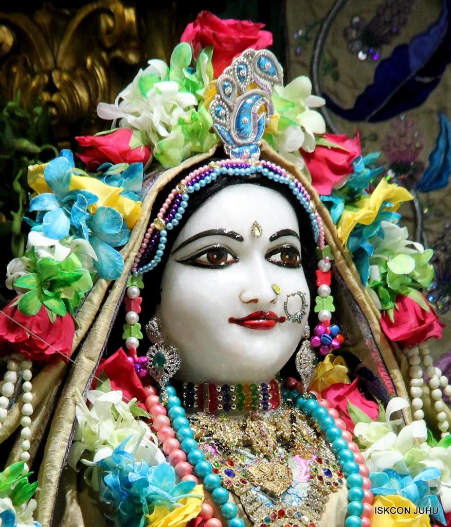 ISKCON Juhu Sringar Deity Darshan on 26th Aug 2016 (32)