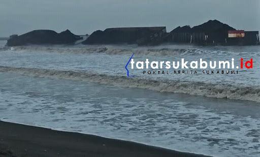 Batubara PLTU Palabuhanratu Sukabumi dinilai merugikan Nelayan // Foto : Rudi Imelda
