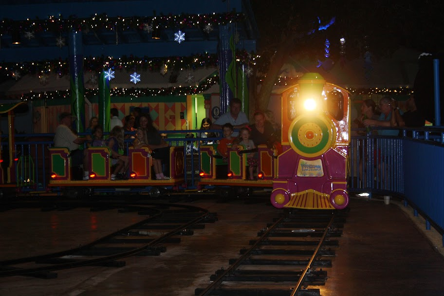 Dazzle in the Sights and Sounds of SeaWorlds Christmas Celebration