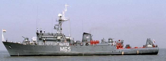 INS Alleppey - M65 - Pondicherry-class Minesweeper - Indian Navy - 01 - TN