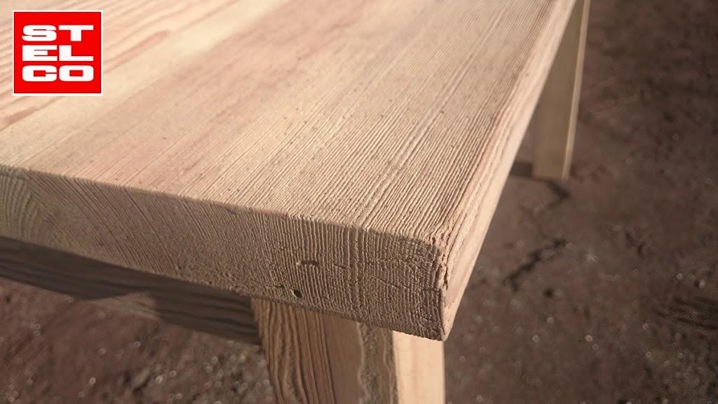 084-piaskowanie-stolow-z-drewna