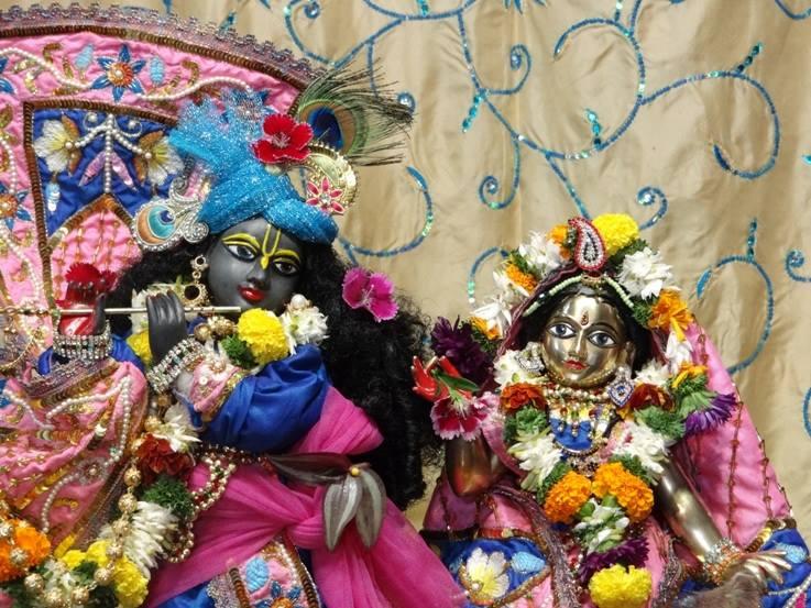 ISKCON Nigdi Deity Darshan 22 Jan 2016 (10)