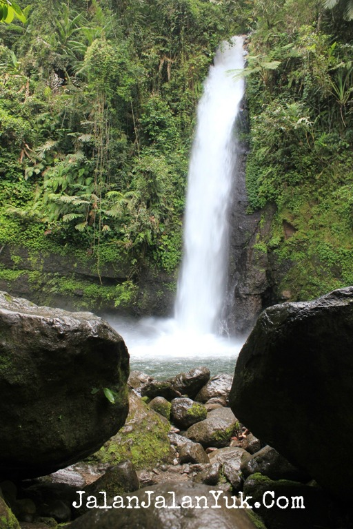 Air Terjun Sulewana Sulawesi Tengah