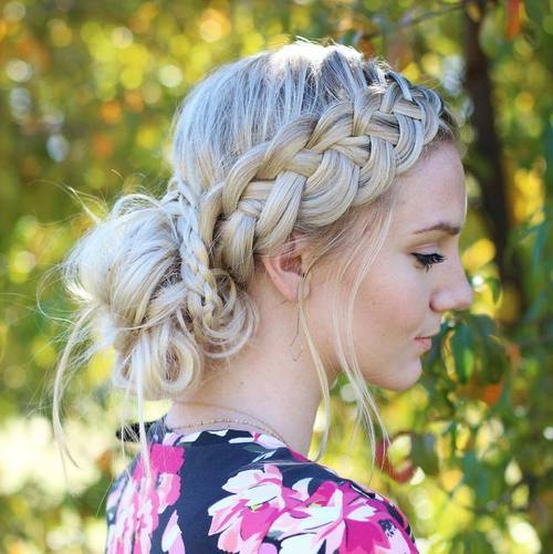The Trendy Bun Hairstyles For Casual And Formal In Current Year 2017 16