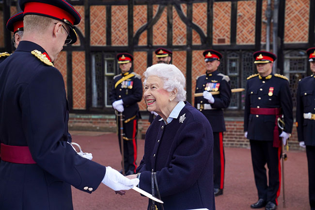 The Queen welcomes special visitors to Windsor since Return