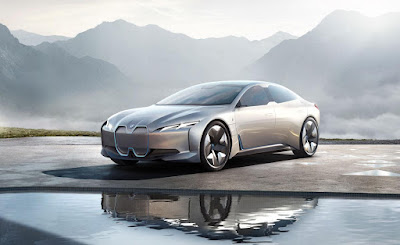 BMW releases iVision Dynamic Concept