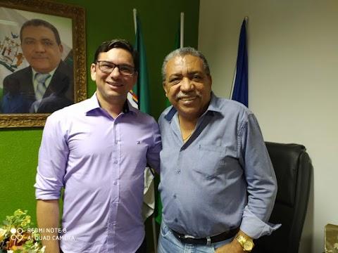 PREFEITO DR EVERTON COSTA RECEBE EM TRINDADE O SECRETÁRIO DE ESTADO ALBERES LOPES