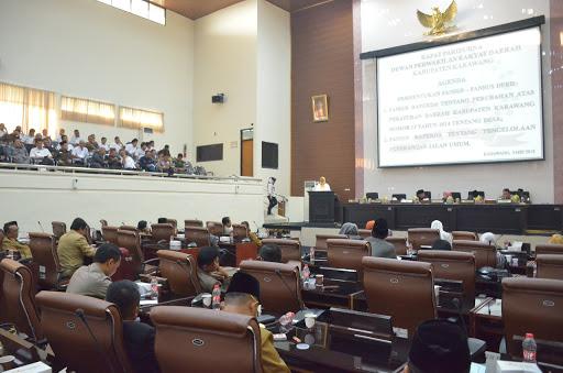Mulai Diungkit Minimnya Tingkat Kehadiran Anggota Dewan Karawang Di Sidang Rapat Paripurna