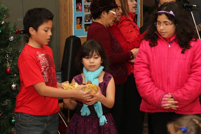 OLOS Navidad 2010 con Amigos Migrantes - IMG_9810.JPG