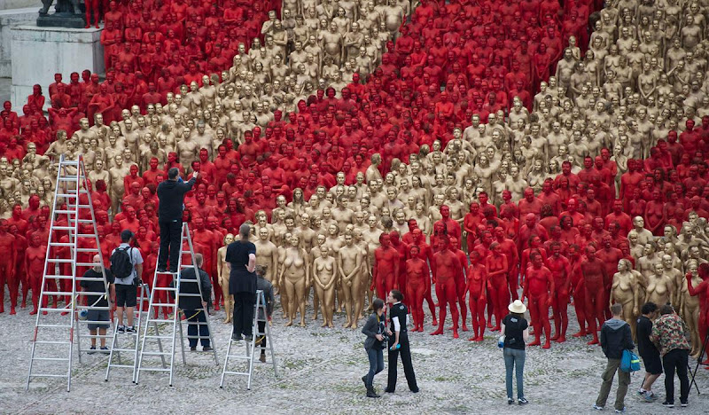 O mundo despido de Spencer Tunick