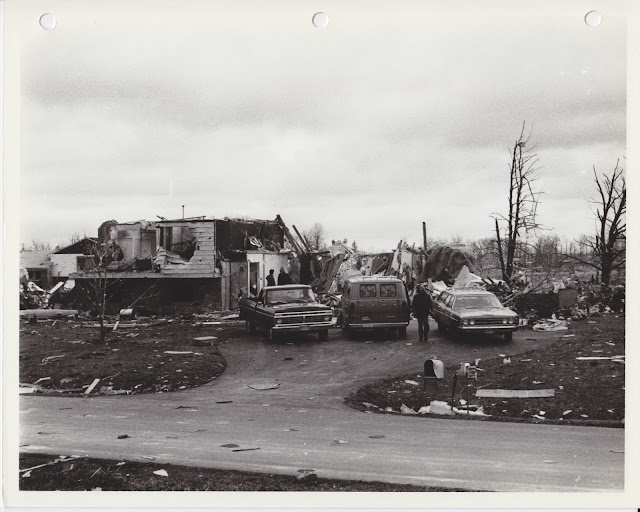 1976 Tornado photos collection - 9.tif