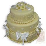 2. kép: Esküvői torták - Esküvői három szintes szalagos virágos torta