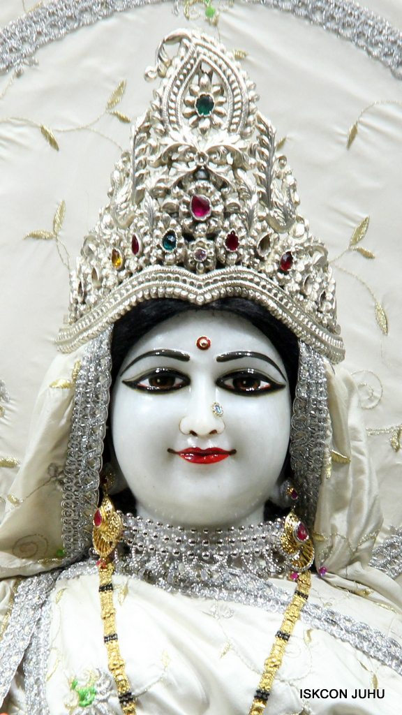 ISKCON Juhu Mangal Deity Darshan on 8th Sep 2016 (27)