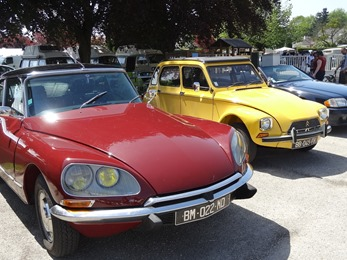 2018.05.06-010 Citroën DS rouge et Dyane jaune moutarde