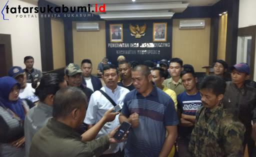 Pasca Dilaporkan ke Kejari, Warga Tandatangani Petisi Aksi Simpati Dukung Kades Jambenenggang Kebonpedes