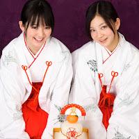 Bomb.TV 2008.01 Saki Takayama & Maari xmk061.jpg