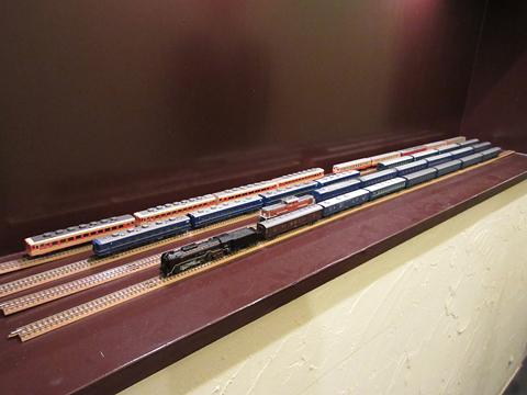 鉄道喫茶・居酒屋「ぽぷら」 玄関に展示の鉄道模型 その1