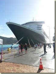 20151230_QM2 Docked (Small)