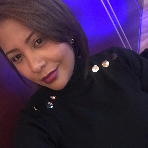 Vicky Santos Photo 23